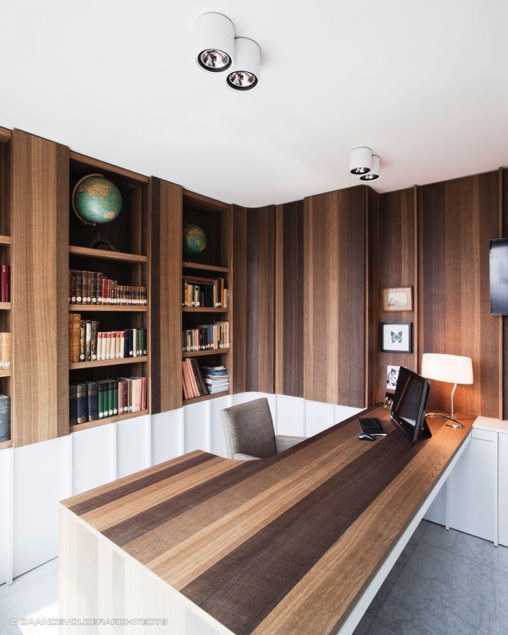 Een Engels bureau herdacht (daan de volder architects)