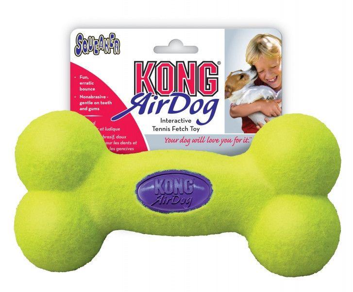 Kong Air Squeaker Bone es un mordedor con forma de hueso recubierto por una tela similar a la que se usa en las pelotas de tenis, pero menos abrasiva para que no dañe la dentadura de tu perro.