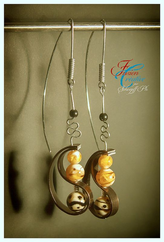 Boucle d'oreille verre et aluminium bronze. Perles de verre de Murano. Fait Main.