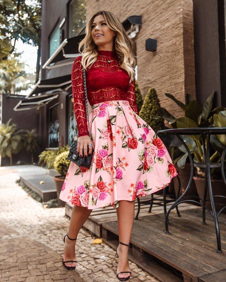 lady like por @loubucca 🎀❤️ saia midi floral rodada, bem princesa, com gola alta de renda bordô... combinação que eu… | Alta moda, Moda alternativa, Ideias fashion