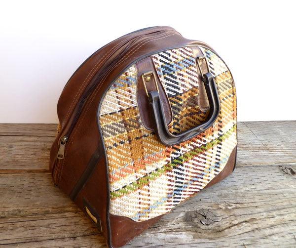sac vintage bowling: Bowls Bags Pur, Knits Bags, Travel Bags, Sac Vintage, Vintage Bowling, Bags Purses, Retro Vintage, Vintage Bowls, Bags Cream