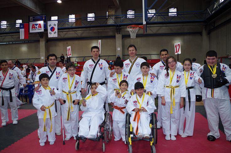 Jóvenes de Teletón participan de Torneo de Taekwondo
