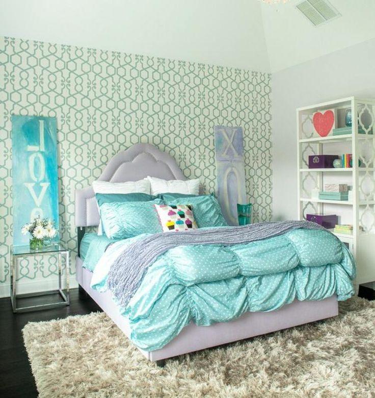 Mädchenzimmer in Azurblau - die Farbauswahl wirkt frisch und fröhlich