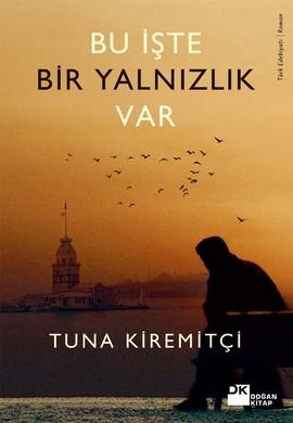 """""""Git Kendini Çok Sevdirmeden"""" adlı ilk romanıyla geniş bir okuyucu kitlesine seslenen Tuna Kiremitçi, yeni romanında da insanlık halleri üzerine yazmayı sürdürüyor ve akıcı üslubu, gerçekçi diyaloglarıyla Türk okuyucusunun vazgeçilmez yazarları arasında kendine sağlam bir yer ediniyor. http://www.idefix.com/ekitap/bu-iste-bir-yalnizlik-var-tuna-kiremitci/tanim.asp?sid=QNO0BUE67B2BZ0JBUQIP#"""