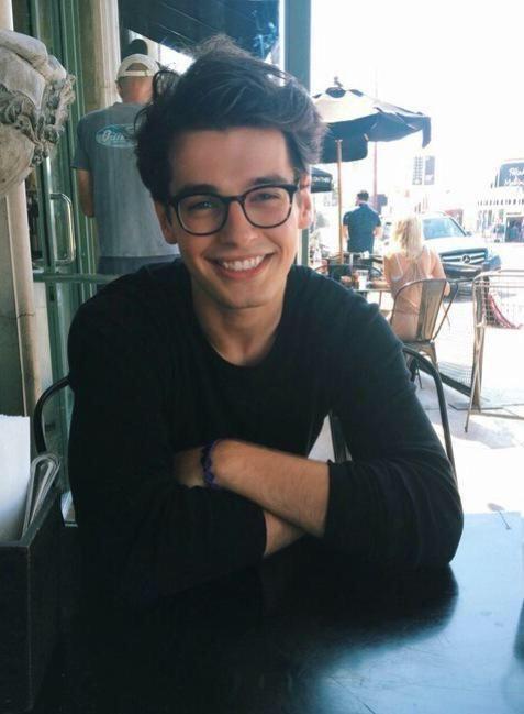 Andrew (Blake Steven)