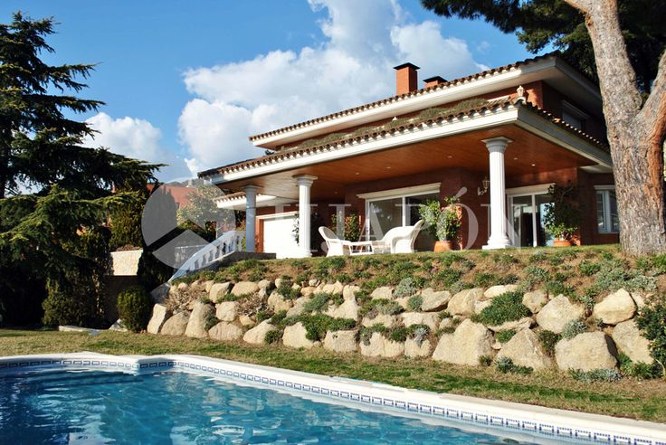 A brand-new, luxury estate for sale in Cabrils, on the coast of Barcelona.