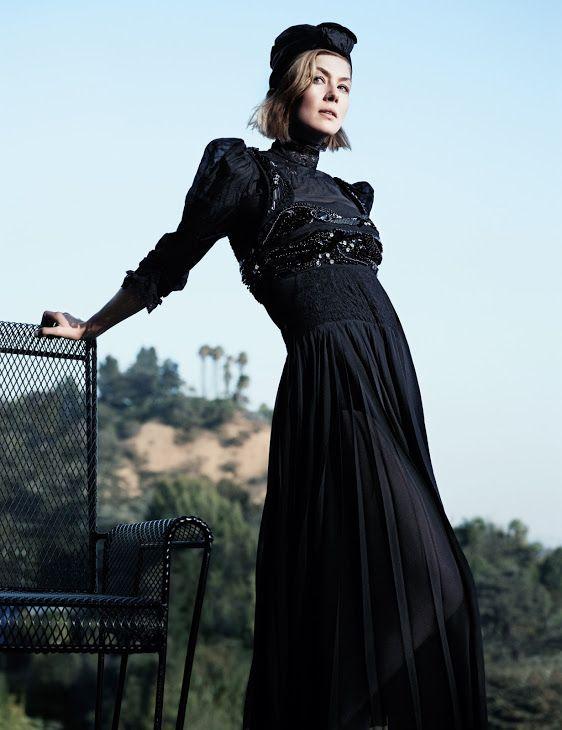 Rosamund Pike (ロザムンド・パイク) http://www.imdb.com/name/nm0683253/
