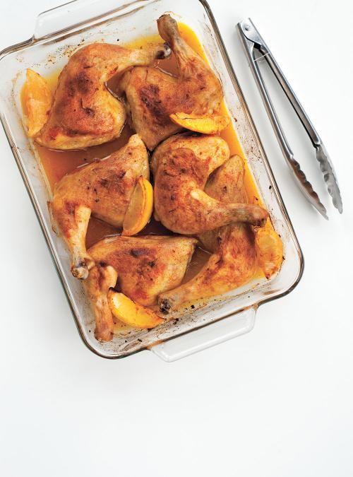 Cuisses de poulet au citron et au paprika ail moutarde quartiers de citron et jus