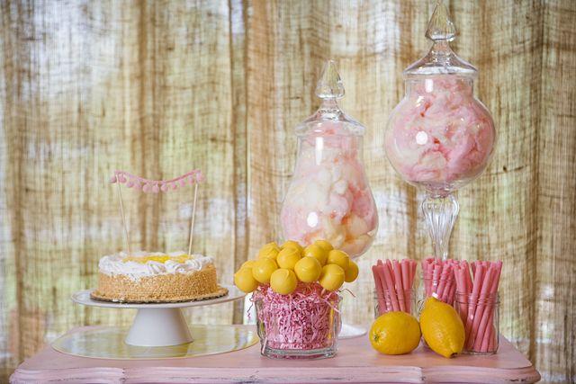 Lemonade stand birthday party ideas party cakes pom for Lemon shaped lemonade stand