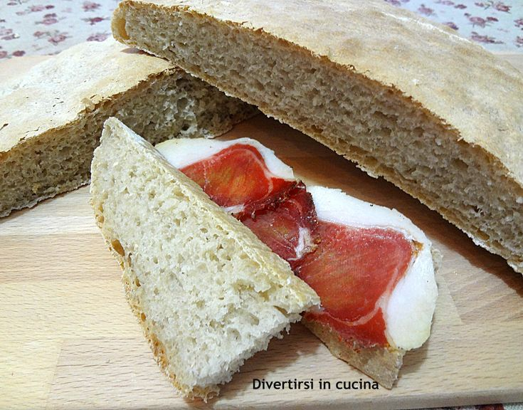 Pane con pasta madre in esubero