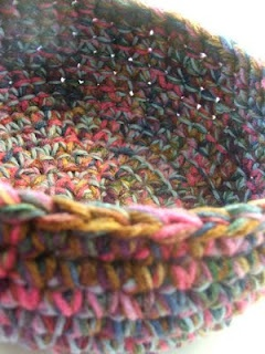 Wonder if you could make one with old t shirt strips? Susan's Hippie Crochet: Free Chunky Crocheted Bowl Pattern