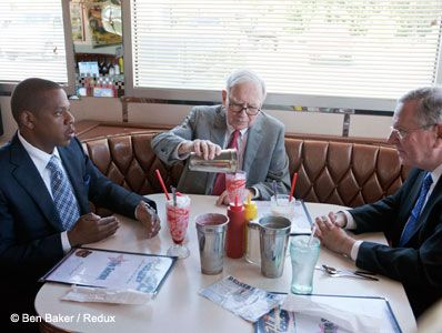 Jay-Z + Warren Buffett + Steve Forbes + Diner in Omaha = Amazing. DOING IT BIG!!!!!!!!!!!!!!!