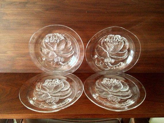 Four Vintage Arabia Oiva Toikka Pioni Dessert plates