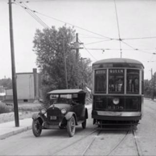 Toronto Beach - Queen Streetcar - Woodbine & Queen