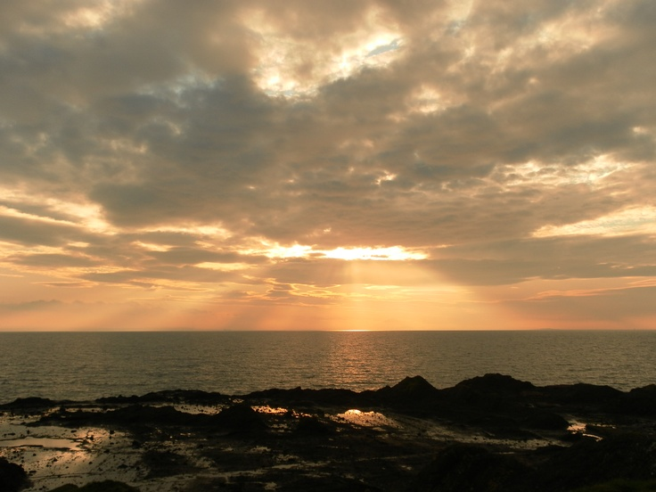Looking over the Firth of Forth from Elie in Fife