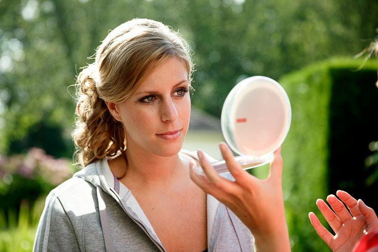 Bruidsfotografie Vianen | Bruidsfotografie Vianen Kirsten Ronny | Voorbereidingen | Make-up | Bruid