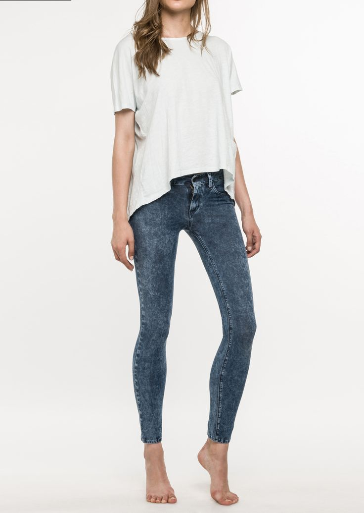 JEANS HYPERSKIN LUZ: Regular 5 pocket skinny jeans. Cotton, Bi-elastic super light denim. Wash: marble.