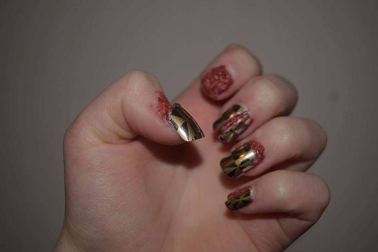 #sfx #sfxmakeup #halloween #halloweensminke #halloweenmakeup #specialeffects #blood #wound #latex #nails #fakenails #creative #dagensrampelys #makeupisfun #makeup #sminke #blod #kreativ #negler #sår
