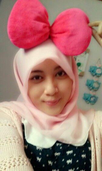 pink paris hijab