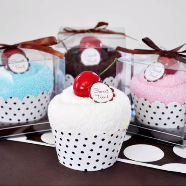 Wash cloth cupcake