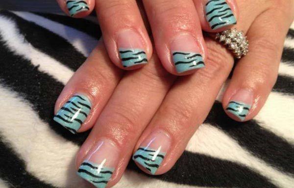 Diseños uñas de cebra, diseños de uñas de cebra francesas.   #uñas #nailsCLUB #uñasconbrillos