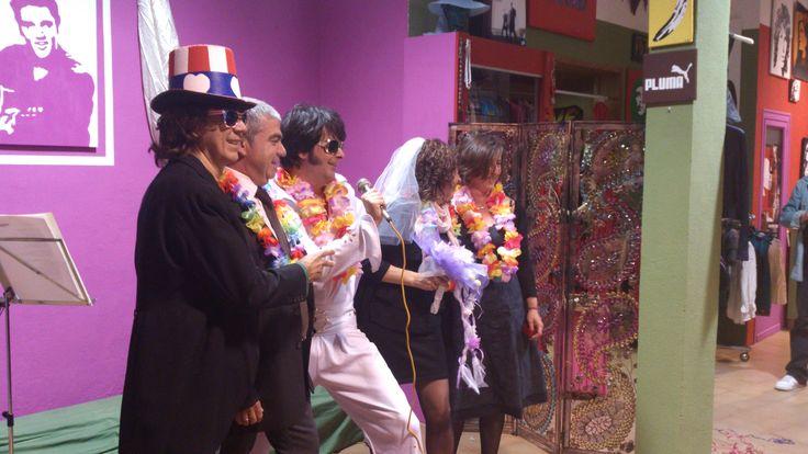 Bodas con Elvis Presley al estilo de las Vegas con ceremonia simbólica nupcial.