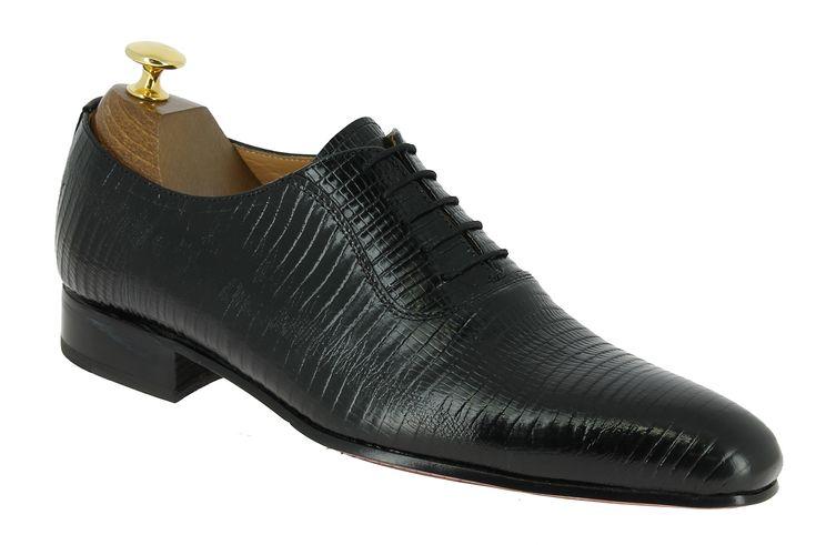 Center 51 vous présente le modèle  Richelieu Center 51 classico 6378 cuir façon lézard noir à 99,00 €  retrouvez-le sur https://www.center51.com/fr/chaussures-a-lacets-homme/905-richelieu-center-51-classico-6378-cuir-facon-lezard-noir.html