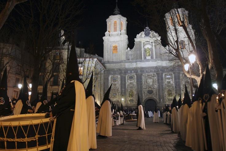 Plaza de la Justicia. Iglesía de Sta Isabel