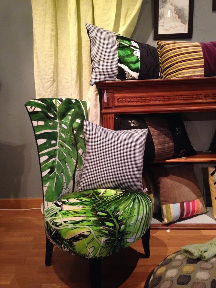 chauffeuse recouverte de tissu jardin exo'chic et pied de poule Designers Guild et Casadeco en vente dans la boutique