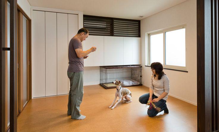 犬のケージアイデア!デッドスペースを有効活用しよう!