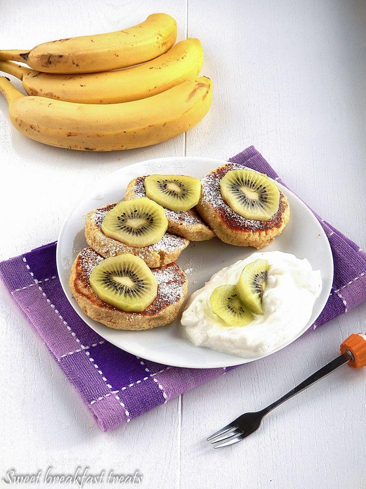 These banana mascarpone pancakes are silk pillows for the palette.   So amazing for breakfast or brunch! (in Polish with translator)  Recipe: http://poraneknaslodko.blogspot.com/2016/02/pancakes-z-serka-mascrpone.html