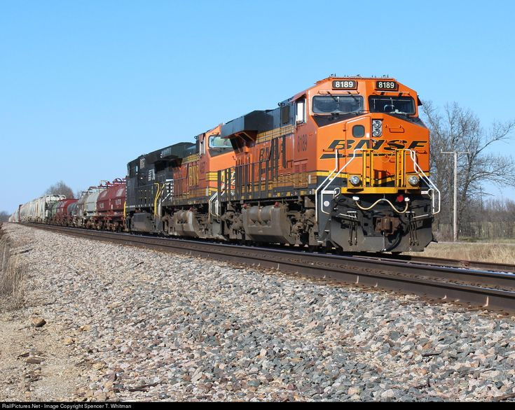 RailPictures.Net Photo: BNSF 8189 Burlington Northern Santa Fe GE ES44C4 at Niangua, Missouri by Spencer T. Whitman