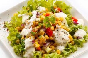 Υγιεινές και νόστιμες σαλάτες με καλαμπόκι