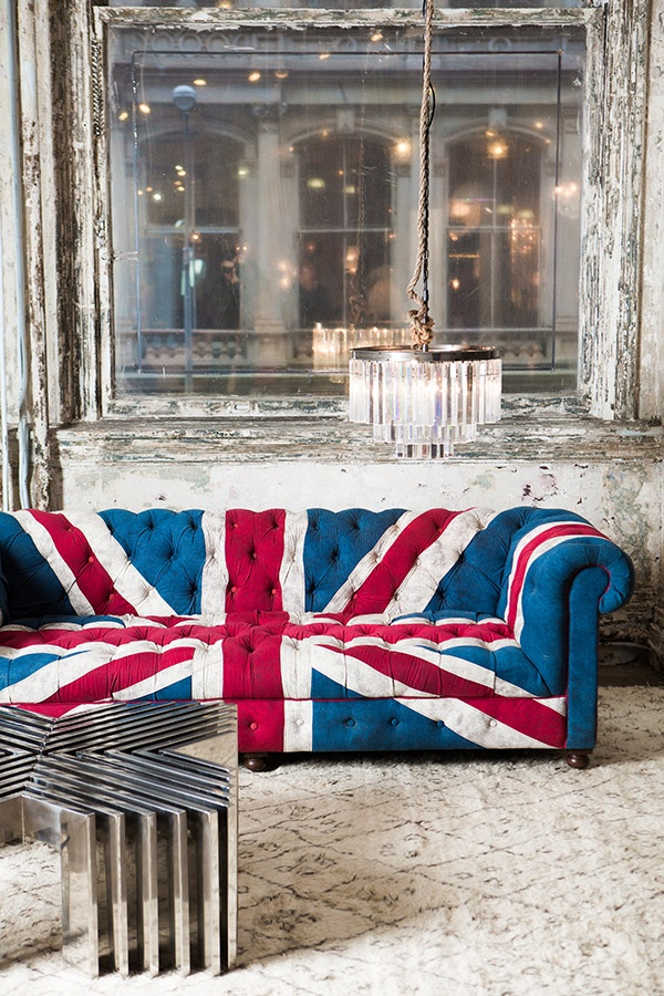 Austin powers couch! cant wait to meet kels 4 lunch n browse abc today!  British StyleUnion JackThe ...