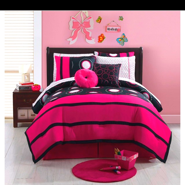90 best cute bed sets images on pinterest bedrooms for Cute bedroom furniture sets