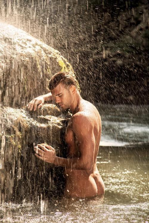 beautiful-nude-macho