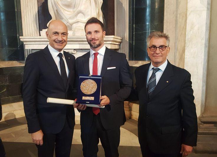 Il Dr Gabriele Benedetti riceve lo Scudo in Argento a Firenze