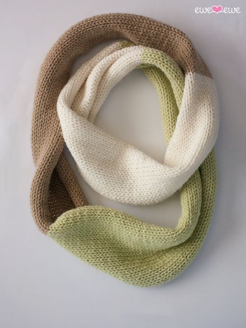 Compatto Cowl free knitting pattern