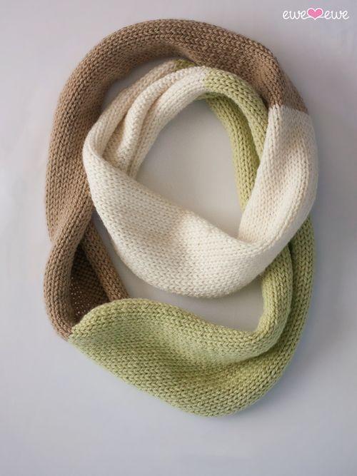 Compatto Cowl free knitting pattern