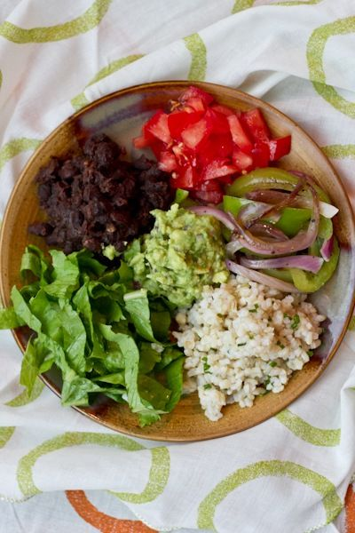 homeade! simplified chipotle burrito bowls: Veggies Bowls, Veggies Burritos, Chipotle Burritos Bowls, Chipotle Bowls, Bean Burritos, Edible Perspective, Beans, Burrito Bowls, Perspective Burritos