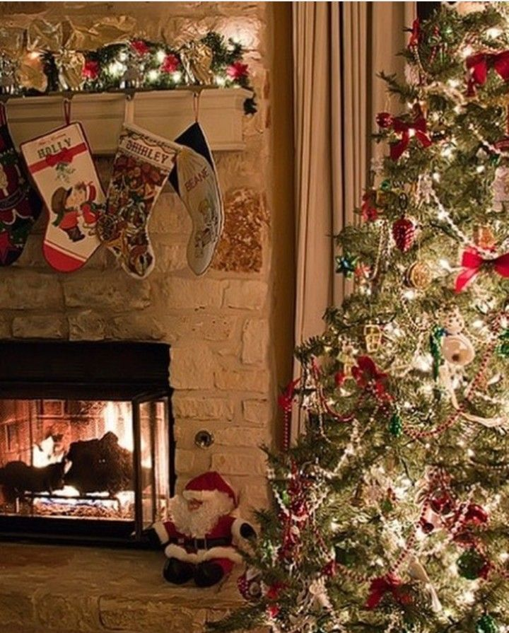Nice cozy Christmas fireplace and tree 1411