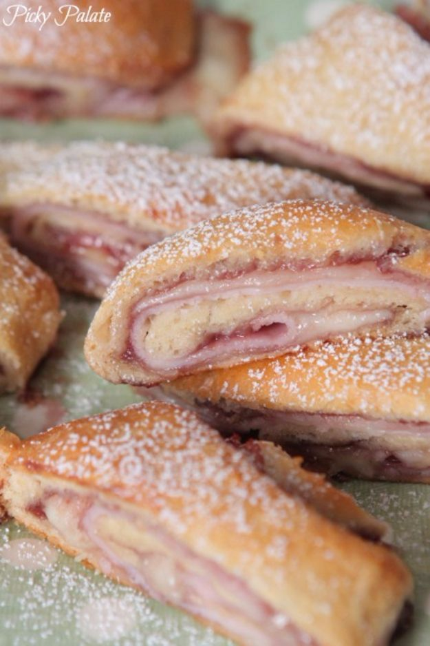 Best Crescent Roll Recipes - Monte Cristo Crescent Roll Ups - Easy Homemade Dinner Recipe Ideas With Cresent Rolls, Breakfast, Snack, Appetizers and Dessert - With Chicken and Ground Beef, Hot Dogs, Pizza, Garlic Taco, Sweet Desserts - DIY Projects and Crafts by DIY JOY http://diyjoy.com/crescent-roll-recipes