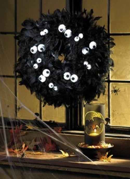 Halloween-Kranz mit Augen