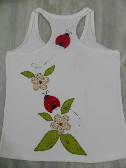 Camiseta confeccionada em Patch aplique.  100% feita a mão.    Malha macia,e de ótima qualidade.  Tamanhos: P,M,G,GG  Todos os tamanhos.