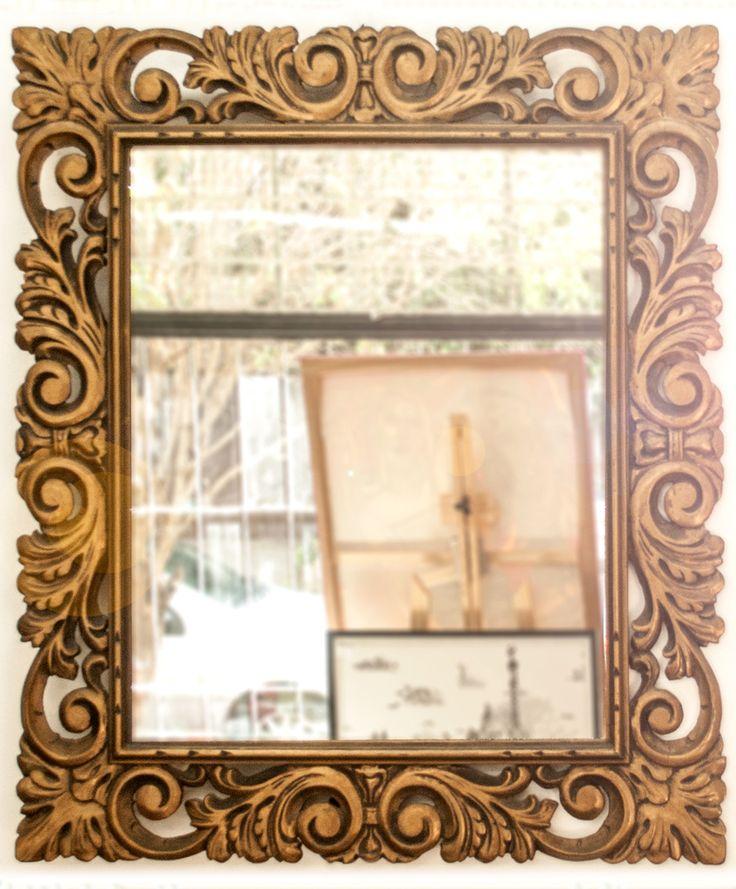 Espejo con Marco Labrado Dorado (72x82 cm.)