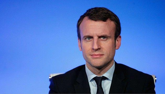 """Ni droite ni gauche"" : ""Le pari d'Emmanuel Macron, un symptôme de l'affaiblissement du PS"""