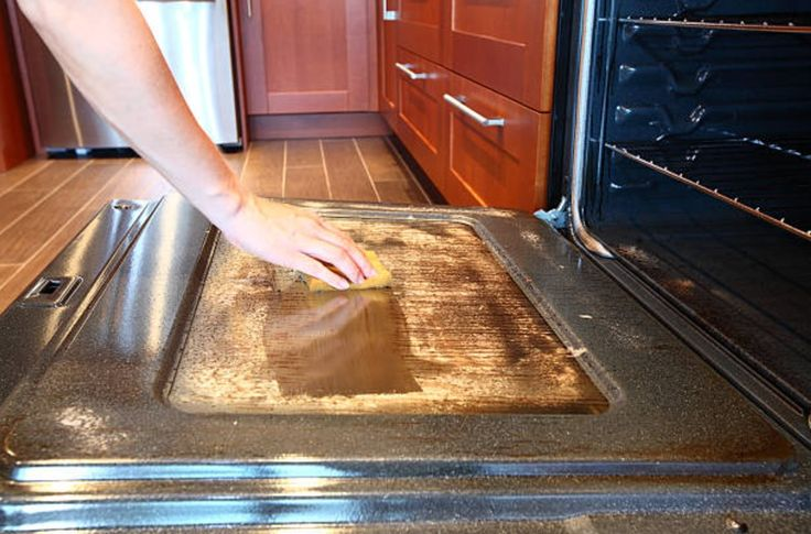 Pour tous ceux qui détestent nettoyer leur four, voici LA technique à connaîtrenoté 3 - 908 votes Faire la cuisine est déjà une lourde tâche, mais nettoyer son four ne s'est jamais révélé être une tâche facile non plus. Cette technique va révolutionner votre manière de le décrasser en profondeur. Simple, rapide et efficace, votre …