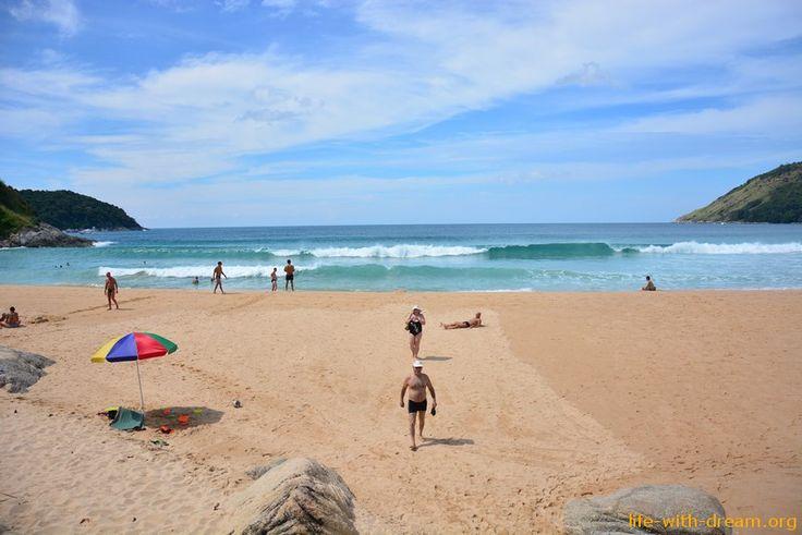 Пляж Найхарн (Naiharn beach)