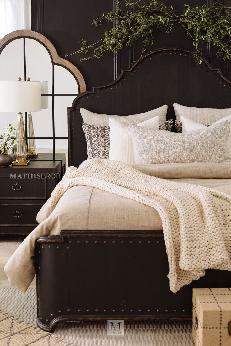 """72"""" Traditional Panel Bed in Kettle Black Mathis"""
