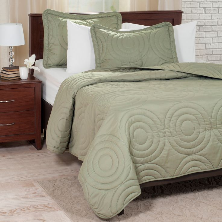 Trademark Windsor Home Solid Embossed 3-piece King Size Quilt Set in
